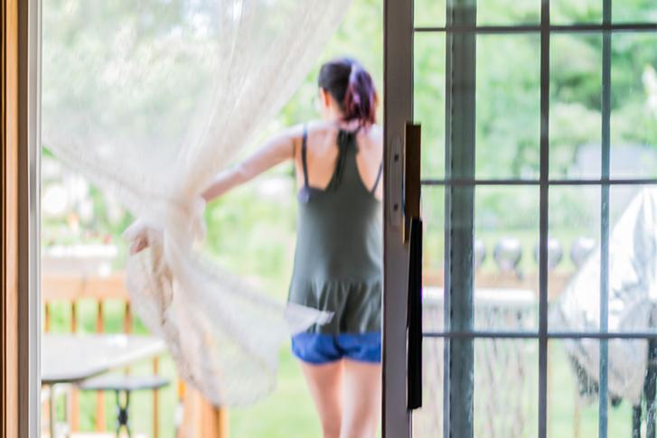 sliding door curtain